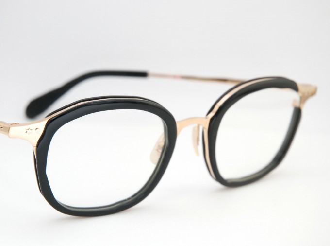 ハシヤスメ・アツコのメガネ