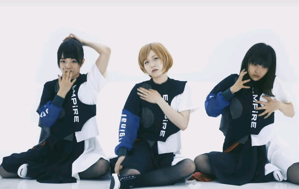 MAYU EMPiRE ダンス1